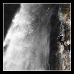 le grand rappel dans le canyon de Saugué