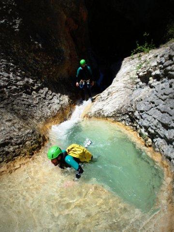 piscine magnifique dans les canyoning
